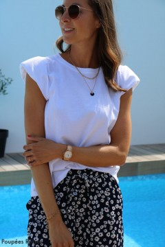 T-shirt blanc à épaulettes
