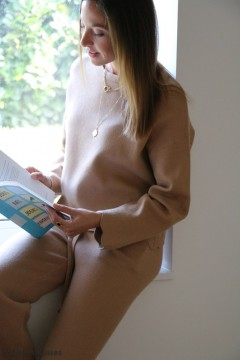 Pull Lily camel