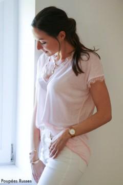 T-shirt rose pâle dentelle
